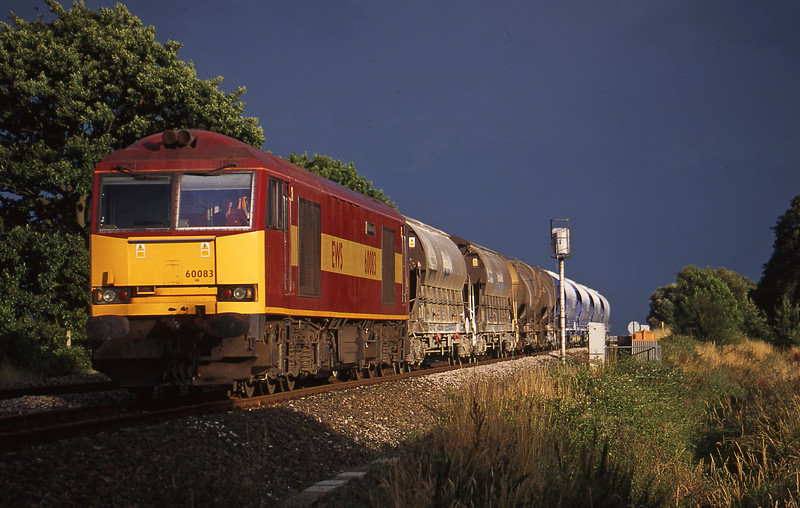60083, 16.55 St Blazey- Cliffe Vale, Powderham, near Exeter, 28-7-00.