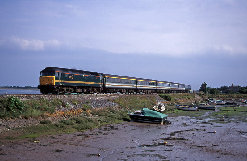 47832, 12.52 Penzance-London Paddington, Cockwood Harbour, near Starcross, 7-7-00.
