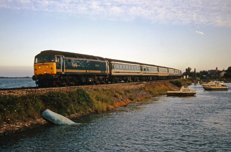 47813, 18.30 Plymouth-London Paddington, Cockwood Harbour, near Starcross, 31-7-00.
