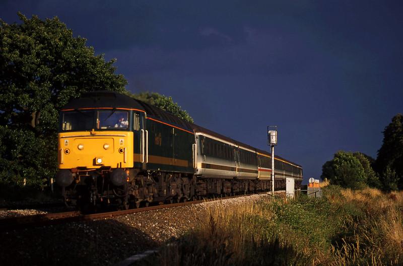 47830, 18.30 Plymouth-London Paddington, Powderham, near Exeter, 28-7-00.