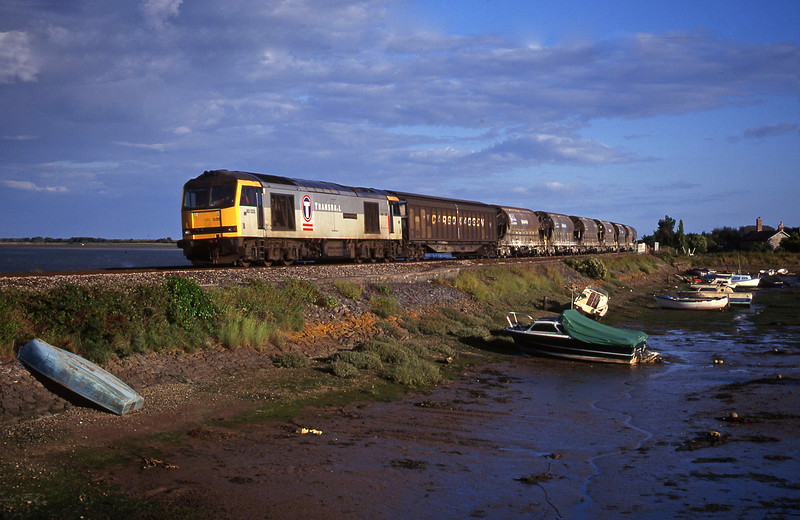 60035, 16.55 St Blazey-Cliffe Vale, Cockwood Harbour, near Starcross, 11-7-00.