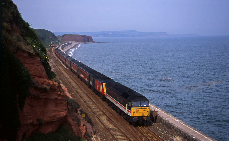 47826, 06.39 Dundee-Plymouth, Dawlish, 28-6-00. HST failure.