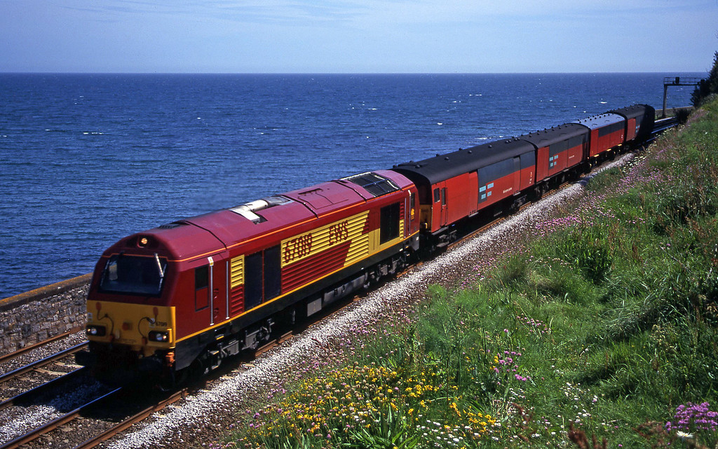 67019, 13.53 Plymouth-Bristol Temple Meads, Horse Cove, Dawlish, 7-6-00.