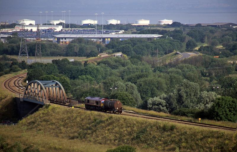 66008, 06.43 Newport Alexandra Dock Junction Yard-Avonmouth Bulk Handling Terminal, Hallen Marsh, near Avonmouth, 27-6-00.