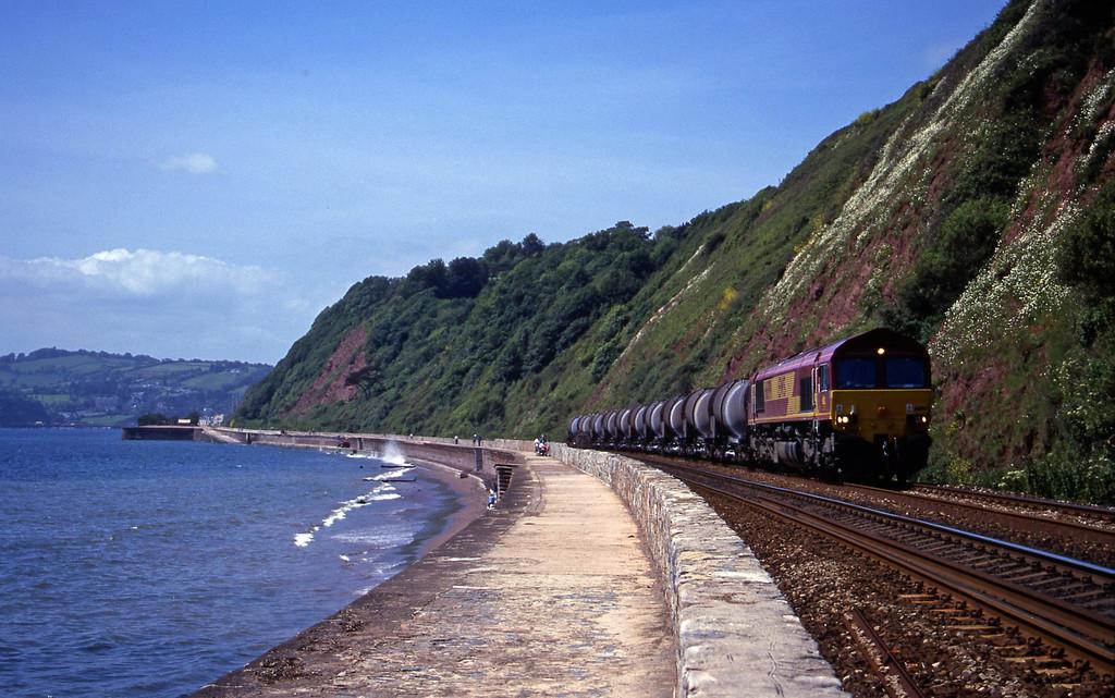 66199, 09.40 Burngullow-Newport Alexandra Dock Junction, Holcombe, Teignmouth, 7-6-00.