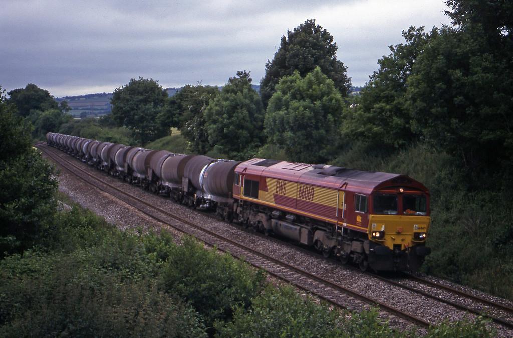 66069, 09.40 Burngullow-Newport Alexandra Dock Junction, Whiteball, 14-6-00.