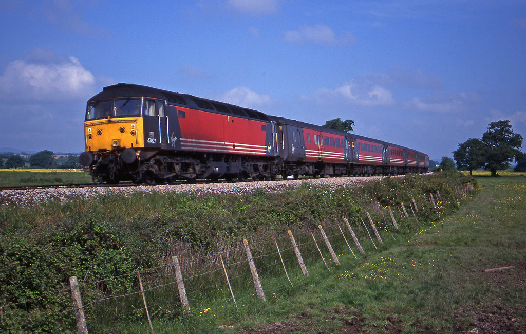 47827, 06.05 Derby-Plymouth, Powderham, near Exeter, 5-6-00.