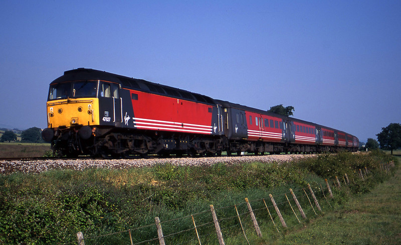 47827, 06.05 Derby-Plymouth, Powderham,. near Exeter, 28-6-00.