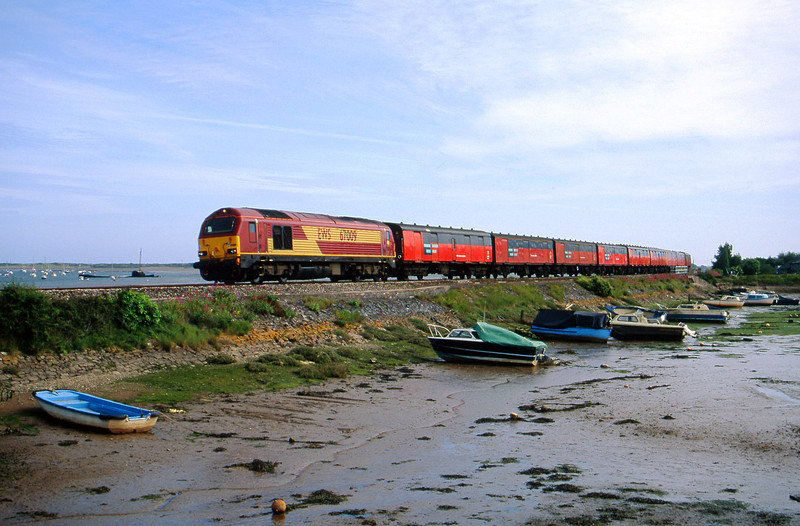 67009, 15.09 Plymouth-Low Fell, Cockwood Harbour, near Starcross, 7-6-00.