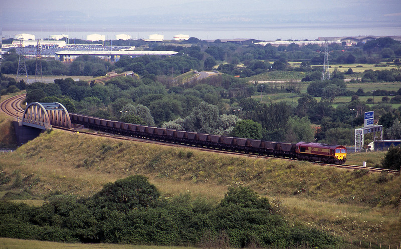 66104, up mgr empties, Hallen Marsh, near Avonmouth, 27-6-00.