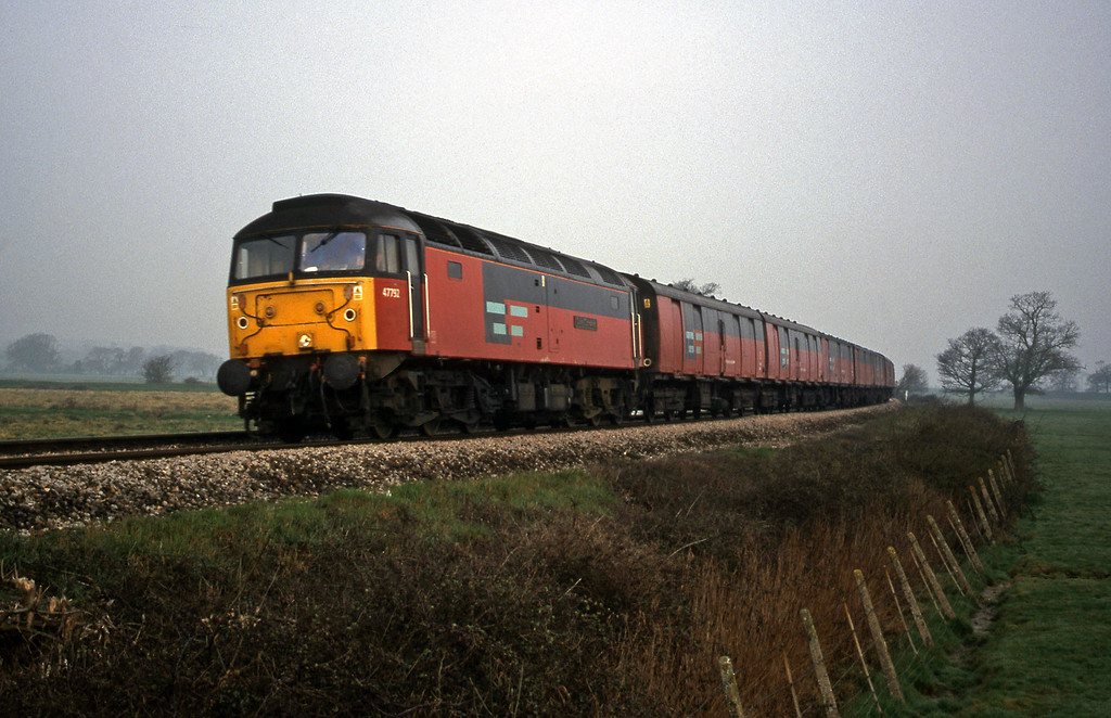 47792, 07.15 Bristol Temple Meads-Plymouth, Powderham, near Exeter, 21-3-00.