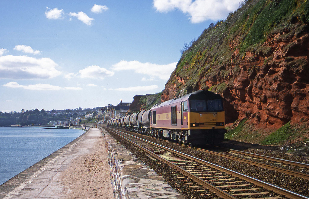 60043, 09.40 Burngullow-Newport Alexandra Dock Junction, Dawlish, 15-3-00.