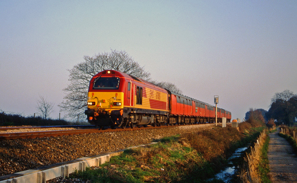 67005, up test, Powderham, near Exeter, 21-3-00.