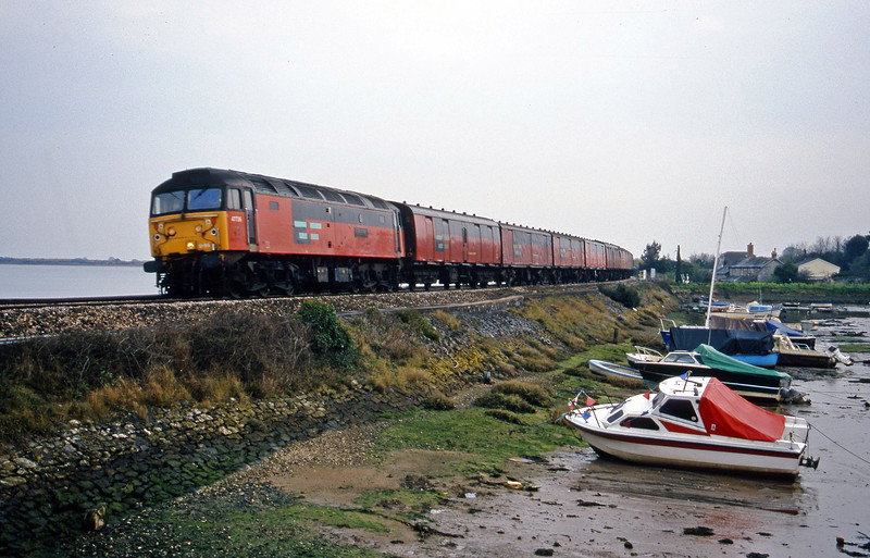 47736, 17.23 Plymouth-Low Fell, Cockwood Harbour, near Starcross, 31-3-00.