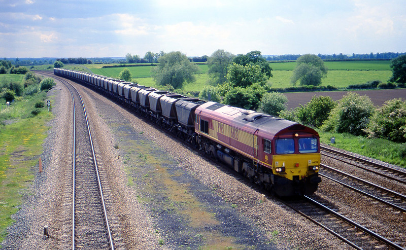 66133, down mgr empties, Bolton Percy, near York, 30-5-00.