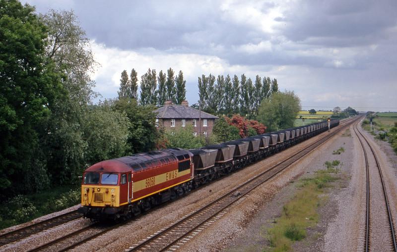 56058, up mgr, Bolton Percy, near York, 30-5-00.