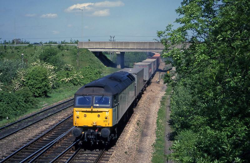 47372, 09.36 Crewe Basford Hall-Southampton, Didcot North Junction, 16-5-00.