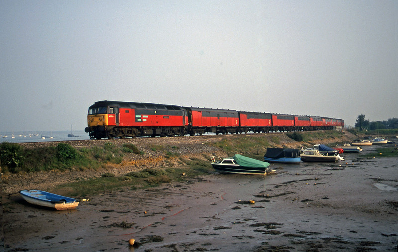 47789, 17.23 Plymouth-Low Fell, Cockwood Harbour, near Starcross, 8-5-00.
