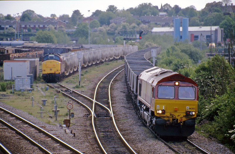 66202 Didcot Power Station-Toton Yard, Didcot North Junction, 16-5-00.