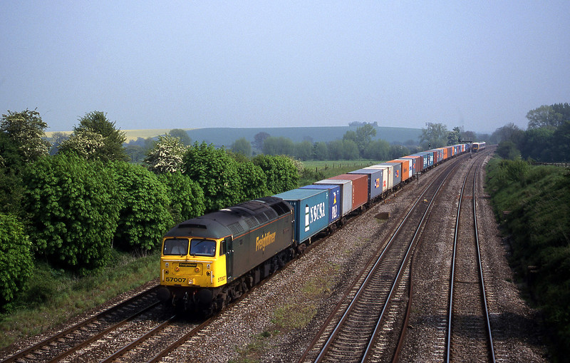 57007, 12.31 Southampton-Leeds, South Moreton, near Didcot, 9-5-00.