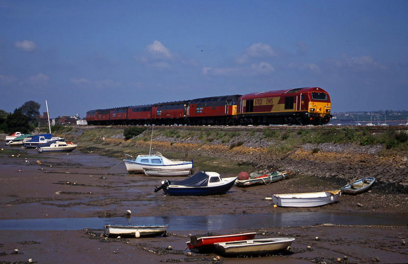67021/47739, 12.15 Bristol Temple Meads-Plymouth, Cockwood Harbour, near Starcross, 2-5-00.