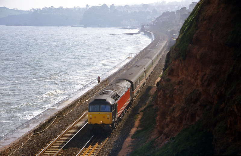 47853, 15.55 Plymouth-Manchester Piccadilly, Dawlish, 1-5-00.