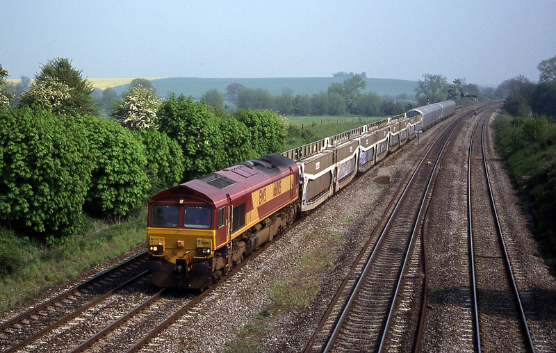 66005, 09.20 Dollands Moor-Washwood Heath, South Moreton, near Didcot, 9-5-00.