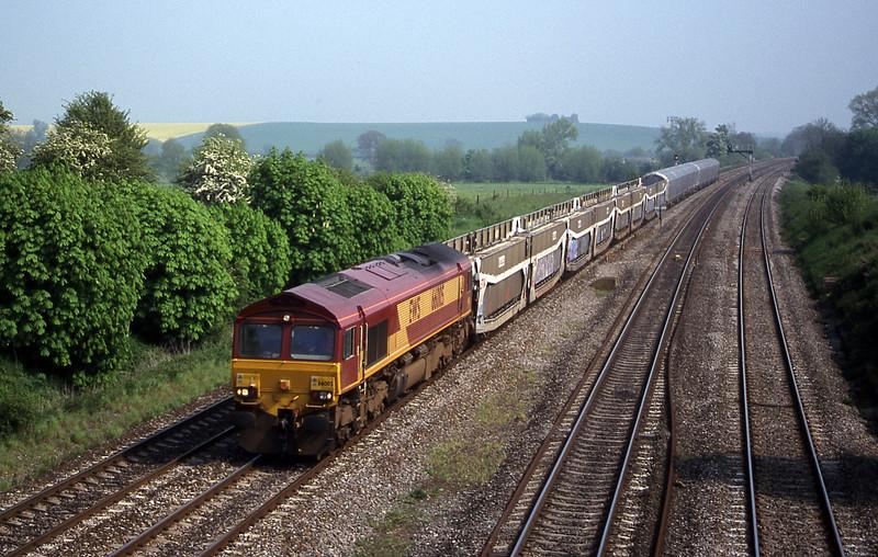 66005, 09.20 Dollands Moor-Washwood Heath, South Moreton, near Didcot, 9-5-00.