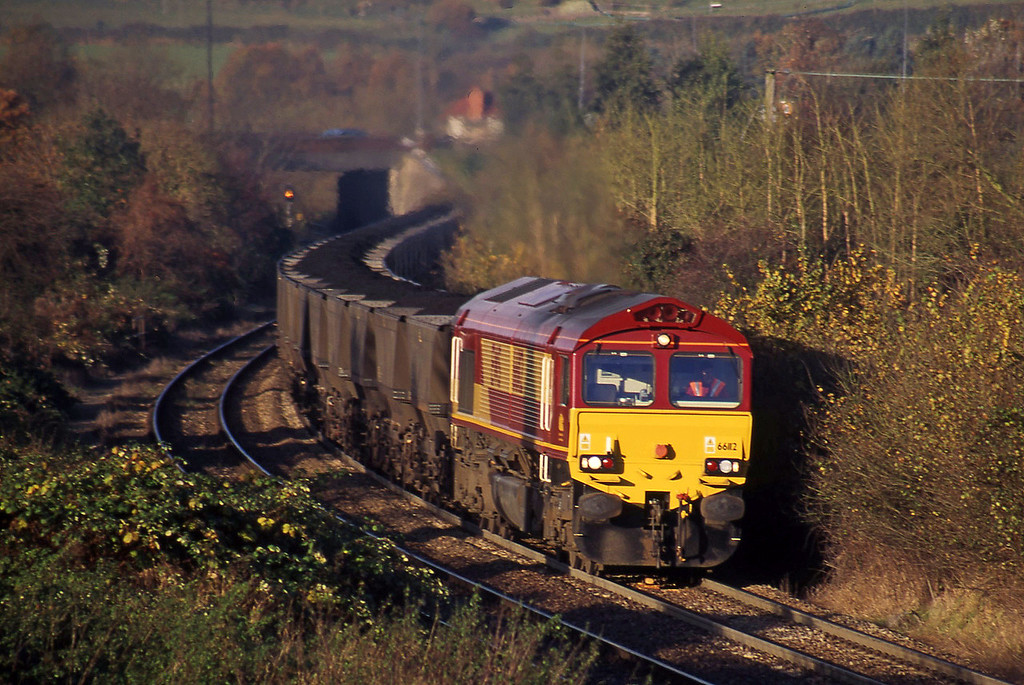 66112  Avonmouth Bulk Handling Terminal-Aberthaw Power Station, Brentry, Bristol, 14-11-00.
