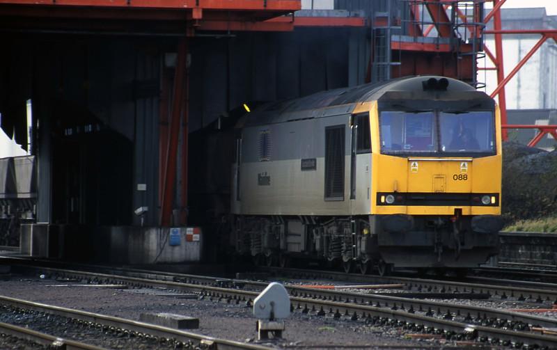 60088, loading Avonmouth Bulk Handling Terminal-Didcot Power Station, Avonmouth, 21-11-00.