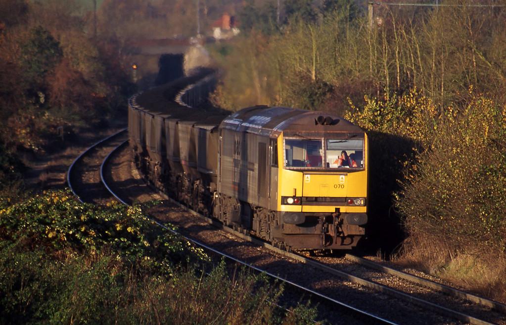 60070, 08.25 Avonmouth Bulk Handling Terminal-Didcot Power Station, Brentry, Bristol, 14-11-00.