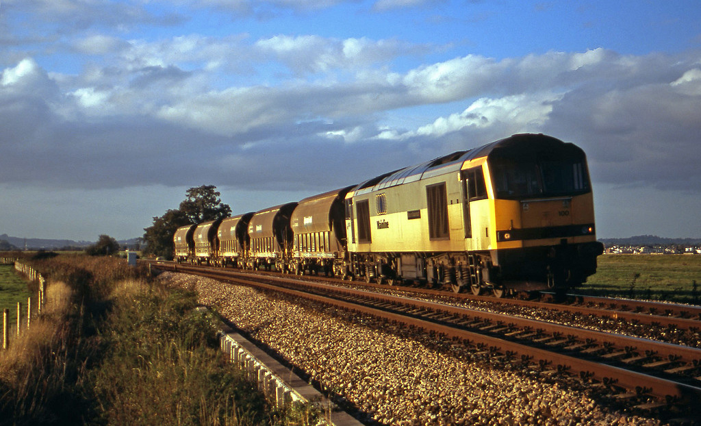 60100, 08.57 Cliffe Vale-St Blazey, Powderham, near Exeter, 19-10-00.