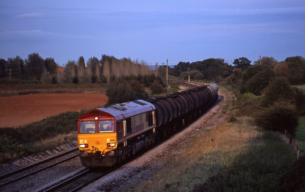 66216, 13.34 Fawley-Plymouth Tavistock Junction Yard, Creech St Michael, near Taunton, 6-10-00.
