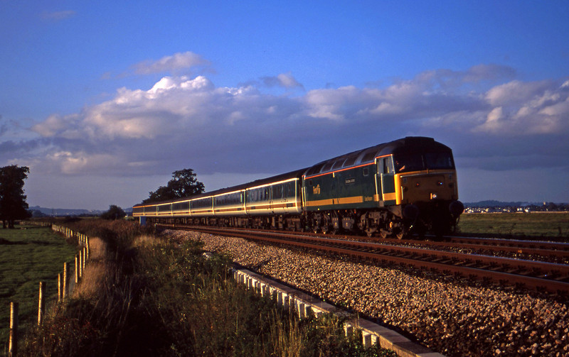 47815, 14.33 London Paddington-Plymouth, Powderham, near Exeter, 19-10-00.