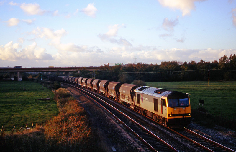 60082, 08.57 Cliffe Vale-St Blazey, Exminster, near Exeter, 16-10-00.