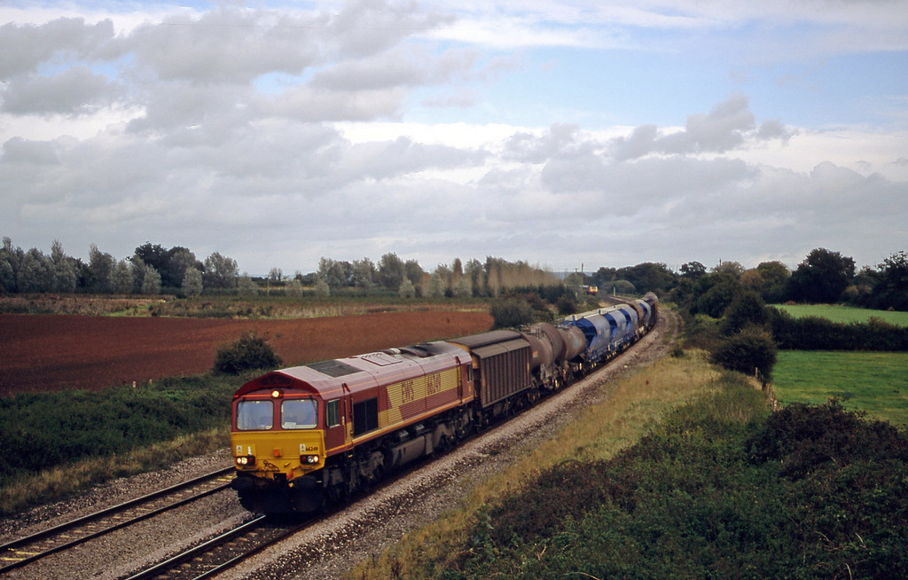 66249, 08.57 Cliffe Vale-St Blazey, Creech St Michael, near Taunton, 10-10-00.