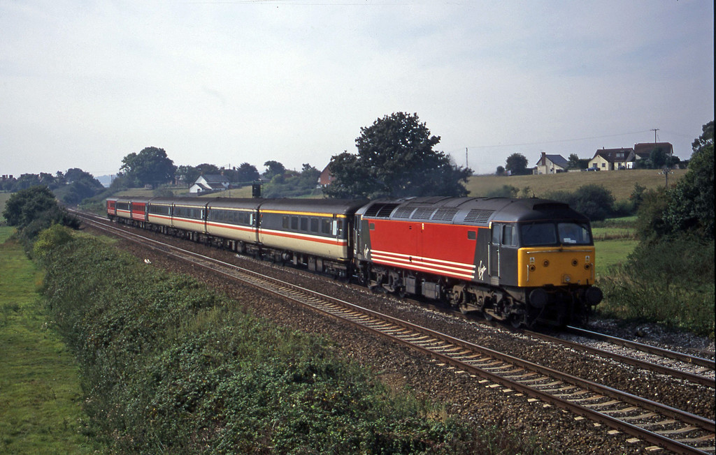 47853, 11.50 Plymouth-Liverpool Lime Street, Rewe, near Exeter, 11-9-00.