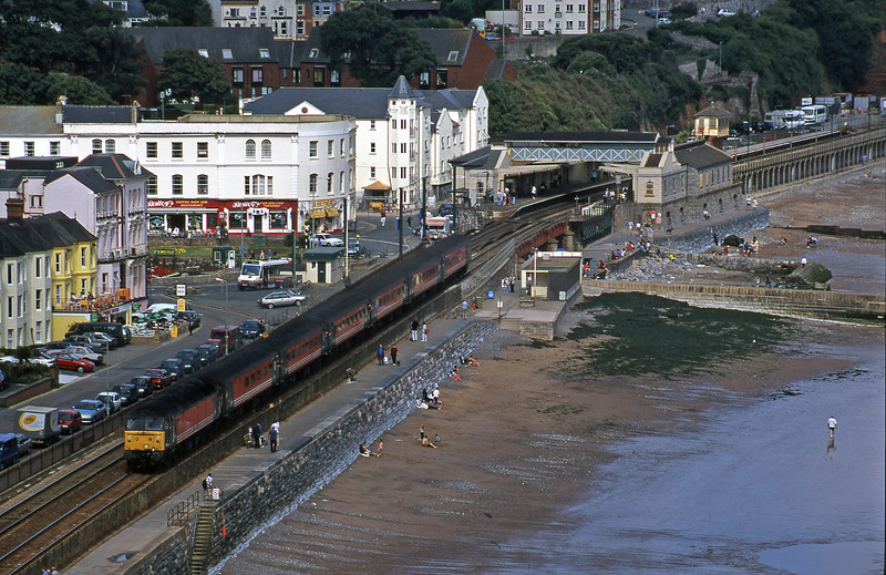 47844, 09.17 Manchester Piccadilly-Paignton, Dawlish, 2-9-00.