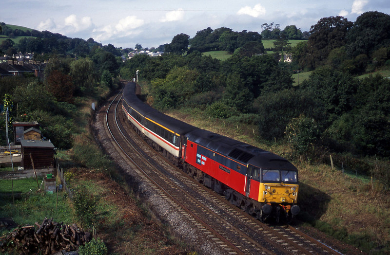 47742, 08.46 Penzance-Manchester Piccadily, Totnes, 19-9-00.