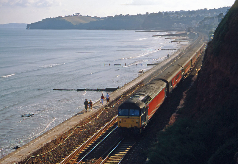 47844, 16.17 Paignton-Manchester Piccadilly, Dawlish, 2-9-00.