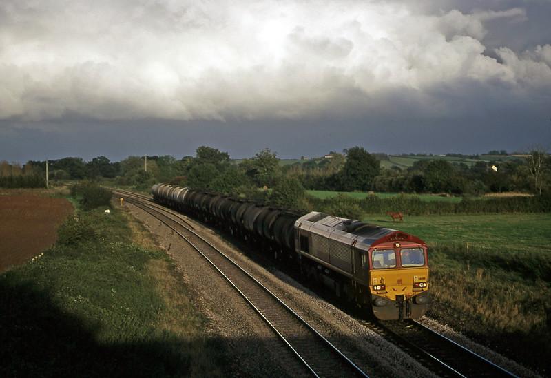 66186, 13.34 Fawley-Plymouth Tavistock Junction Yard, Creech St Michael, near Taunton, 29-9-00.