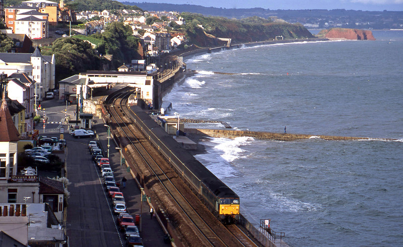 47816, 14.33 London Paddington-Plymouth, Dawlish, 26-9-00.