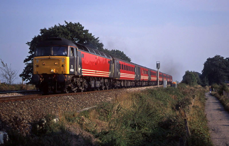 47829, 15.55 Plymouth-Leeds, Powderham, near Exeter, 11-9-00.