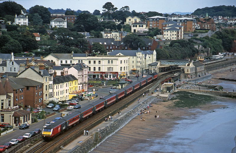 47827/82129, 13.00 Paignton-Manchester Piccadilly, Dawlish, 2-9-00.