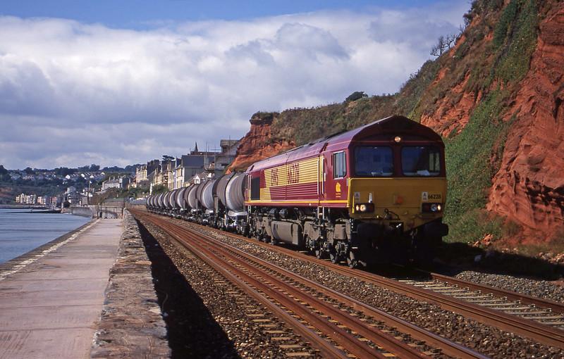 66228, 09.40 Burngullow-Warrington Arpley, Dawlish, 2-9-00.