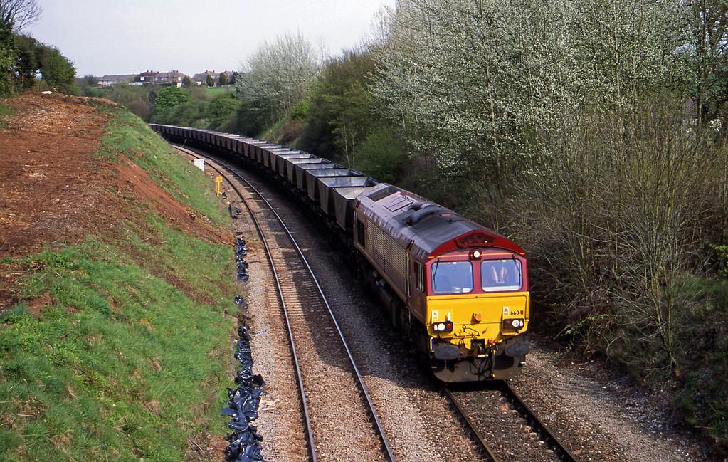 66041, down mgr empties, Brentry, Bristol, 25-4-01.