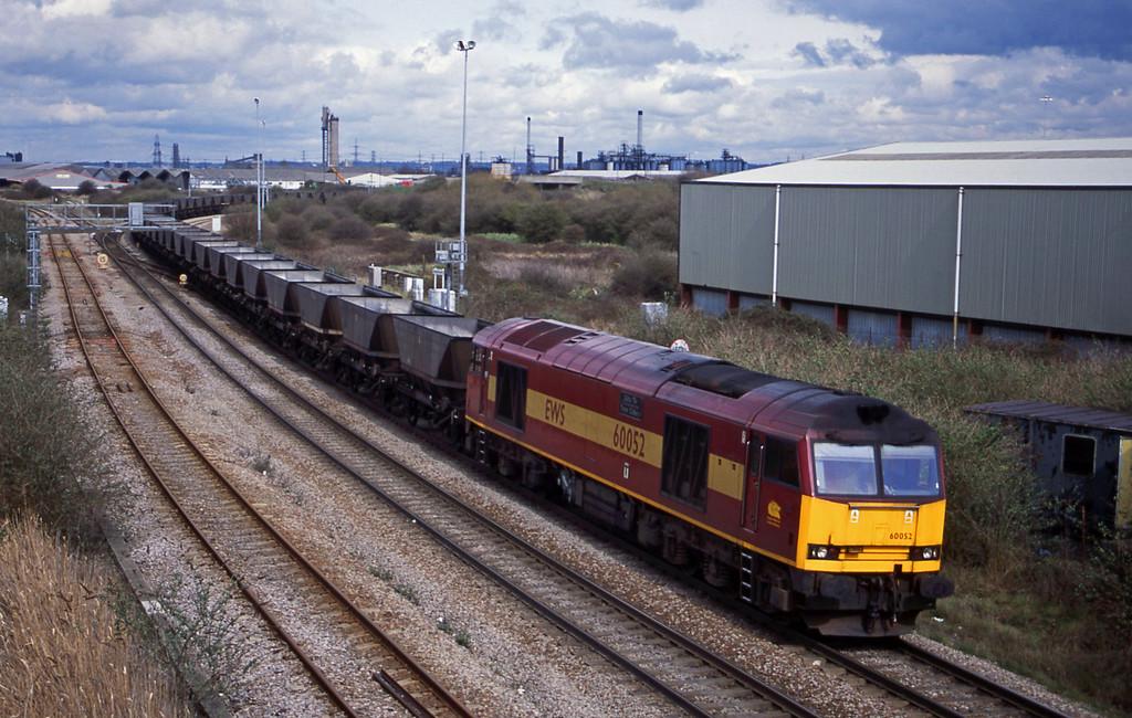 60052, Didcot Power Station-Avonmouth Bulk Handling Terminal, Hallen Marsh Junction, Avonmouth, 3-4-01.