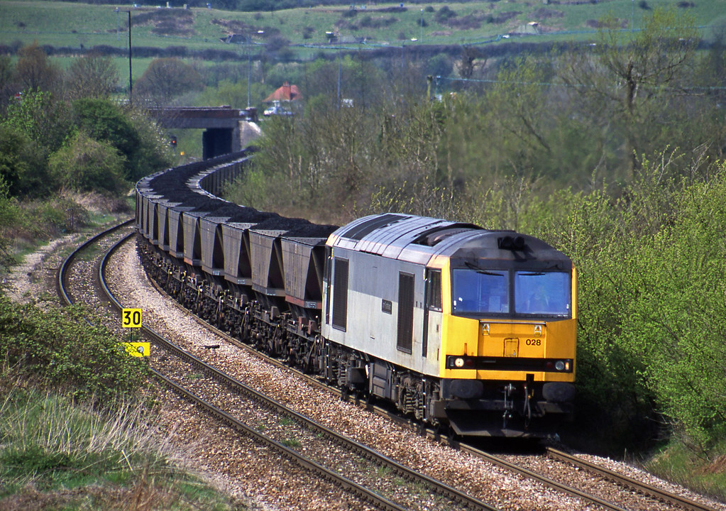 60028, up mgr, Brentry, Bristol, 25-4-01. Using newly relaid up line.