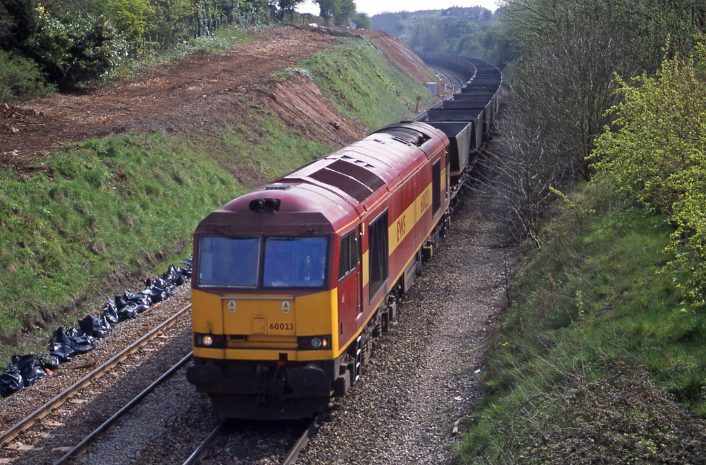 60023, down mgr empties, Brentry, Bristol, 27-4-01.