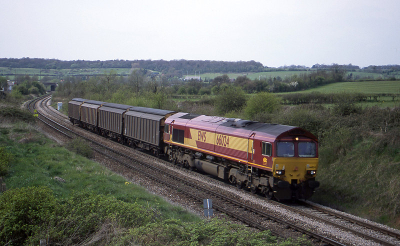 66024, up VGAs, Brentry, Bristol, 27-4-01.